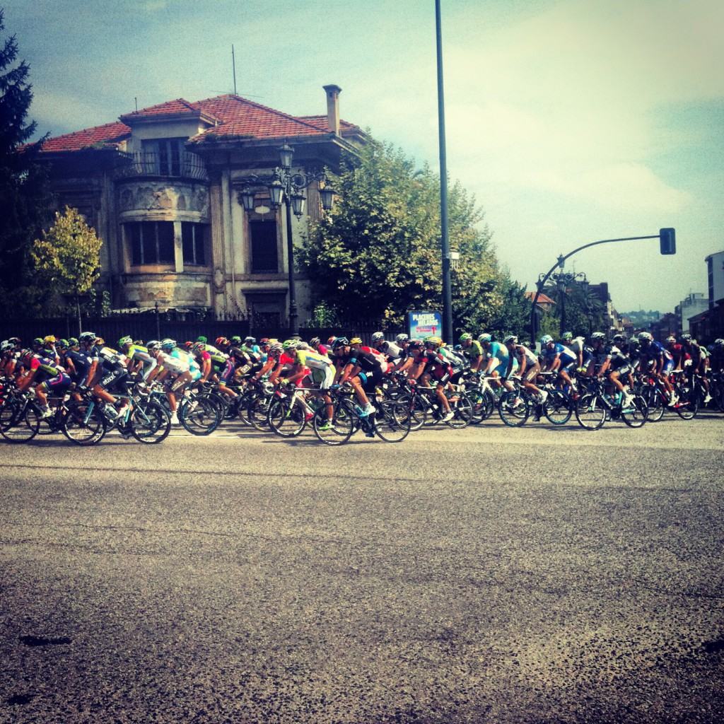 The start of stage 15 in Oviedo